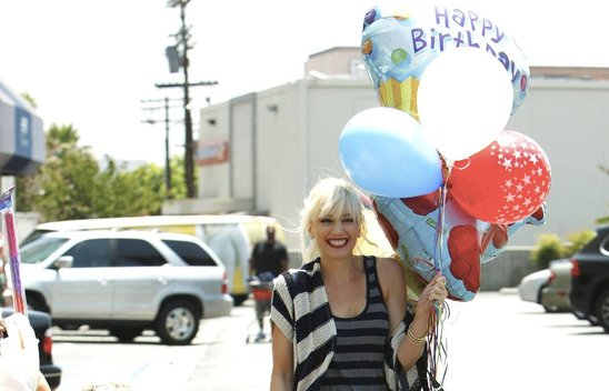 gwen_stefani_loves_birthday_parties